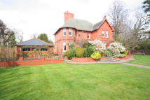 Detached house in Hough Green, Chester