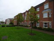 Apartment to rent in Wharf Lane, Solihull...
