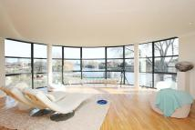 Apartment to rent in Point Wharf Lane...