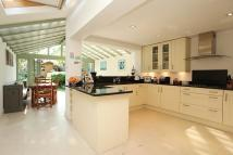 4 bed home in Hearne Road, Chiswick...