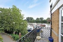 Thames Crescent Apartment to rent