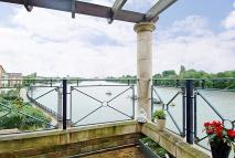 3 bedroom Apartment to rent in Russell Close, Chiswick...