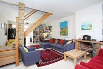 3 bedroom property in Spring Grove, Chiswick...