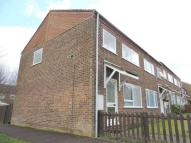 3 bed End of Terrace house in Golden Drive, Eaglestone...