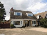 4 bed Detached property in Whalley Drive, Bletchley...