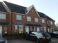 4 bed property in MOOR END GARDENS...