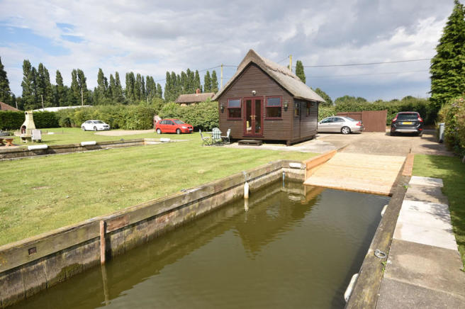 1 bedroom log cabin for sale in south walsham nr13 for One room log cabin for sale