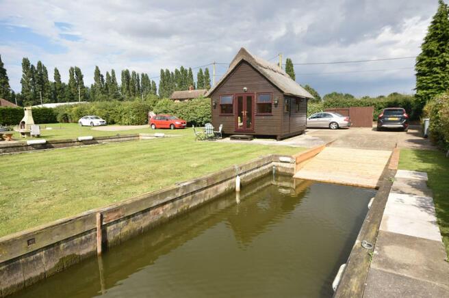1 bedroom log cabin for sale in south walsham nr13 for One bedroom log cabins for sale