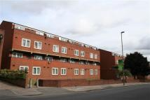 2 bed Apartment in Prince Of Wales Close...