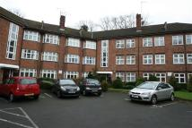 2 bedroom Flat to rent in East End Road N3...
