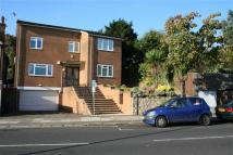 5 bed Apartment to rent in The Vale, Golders Green...
