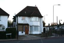 3 bed Detached home to rent in The Vale, NW11...