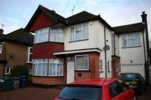 4 bed Detached house to rent in Woodward Avenue NW4...
