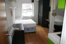 Studio apartment in Church Road, NW4, Hendon