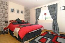1 bedroom Flat in Minford Gardens...