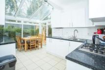 3 bed Flat to rent in Dunraven Road...