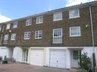 3 bed property to rent in Paul Gardens, Croydon...