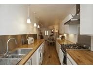 Flat to rent in St. Peters Road, Croydon...
