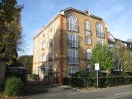 2 bedroom Flat in Park Hill Road, Croydon...