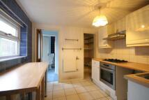 3 bed house in Hastings Road, Croydon...