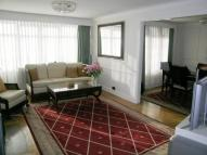 3 bed Flat to rent in Mount Avenue, Ealing...