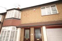 Flat to rent in Federal Road, Greenford...