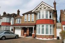 4 bedroom Flat to rent in Gunnersbury Avenue...