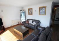 2 bedroom Flat to rent in Craven Avenue, Ealing...