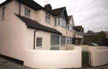 Flat to rent in Bideford Avenue...