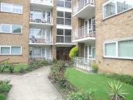 Flat to rent in Perivale Lane, Greenford...