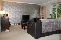 Flat to rent in Mount Avenue, Ealing...