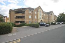 Flat to rent in East Road, Wimbledon...