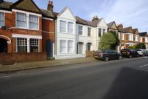 3 bed Maisonette in Penwith Road, Earlsfield...
