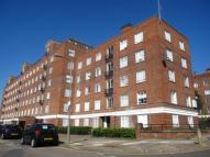 Flat to rent in Vermont Road, London...