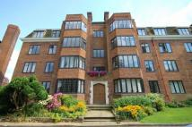 3 bed Flat to rent in Manor Fields, Putney...