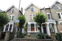 Flat to rent in Winthorpe Road, Putney...