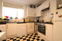 2 bedroom Flat to rent in Rayners Road, Putney...