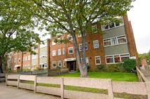 Flat to rent in Oakhill Road, Putney...