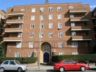 3 bed Flat in Keswick Road, Putney...