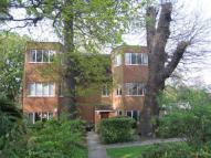 Flat in Manor Fields, Putney...