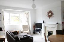 Flat to rent in Manfred Road, Putney...