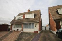 2 bed semi detached property in The Glade, Staines...