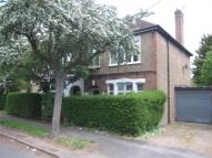 1 bedroom Flat to rent in Penton Avenue, Staines...