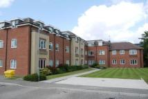 Flat to rent in Dudley Place, Long Lane...