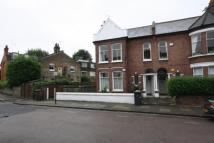 Flat in Glenfield Road, Balham...