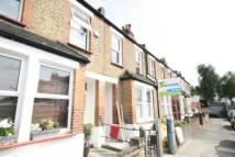 2 bedroom house in Marian Road, Streatham...