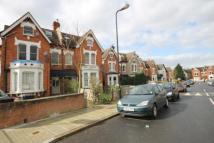 2 bedroom Flat in Farnan Road, London, SW16