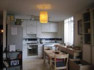 Flat to rent in Streatham Hill, London...