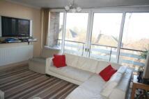 2 bedroom Flat in Leigham Court Road...
