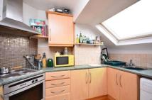 2 bed Flat to rent in Gleneagle Road, London...